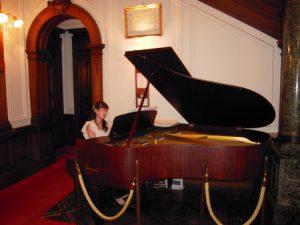 ピアノソロ生演奏