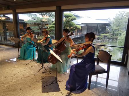 結婚披露宴で弦楽四重奏の生演奏