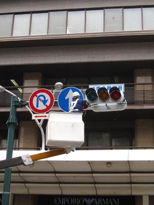 祇園祭りの後信号機1